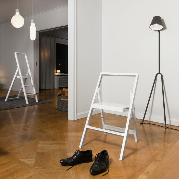 Uniques idees pour la deco avec la chaise pliante for Deco cuisine avec chaise en couleur pas cher