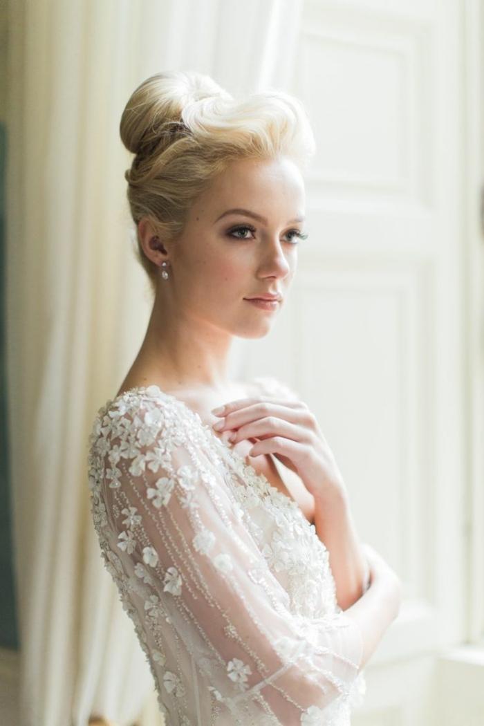 la-coiffure-chignon-mariage-cheveux-court-chignon-cheveux-courts-femme-jolie