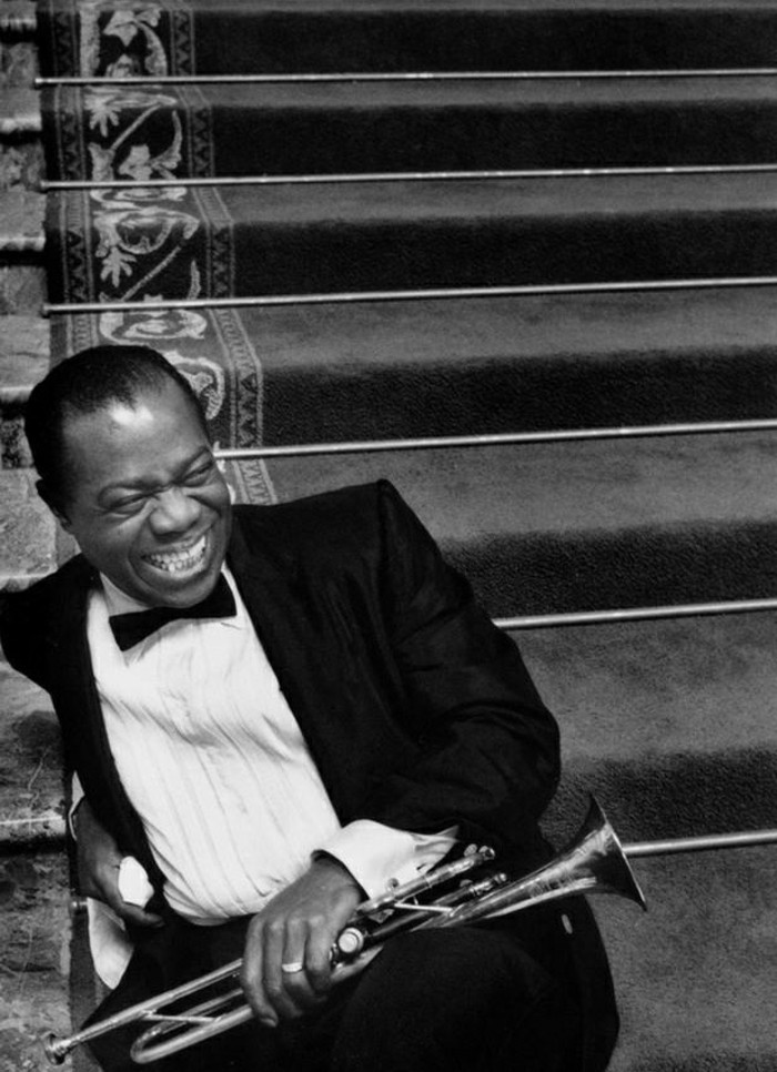 la-talant-louis-armstrong-music-photographie-la-plus-belle-photo-artistique-noir-et-blanc-images