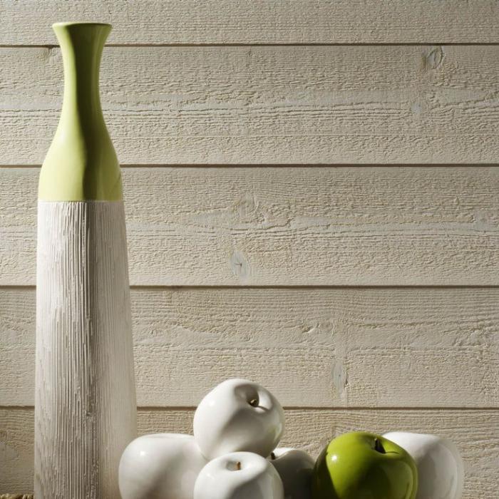 lambris-mural-et-belle-décoration-avec-vase-et-fruits
