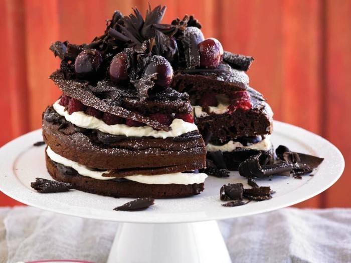 le-gâteau-au-chocolat-blanc-gâteau-chocolat-banane-saint-valentine-cerise