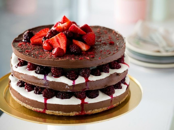 le-gâteau-au-chocolat-blanc-gâteau-chocolat-banane-saint-valentine-yogurt