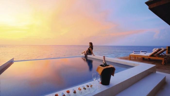 les-iles-maldives-séjour-maldives-voyage-de-noce-maldives-hotel-de-lux-piscine