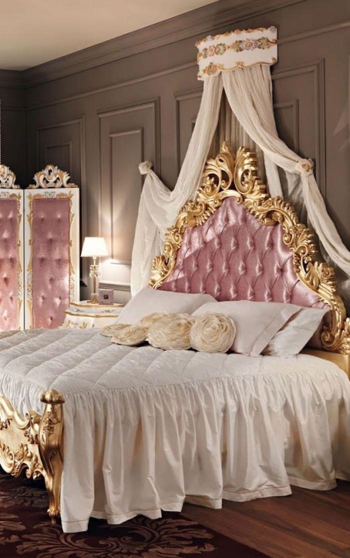 lit-baroque-chambre-à-coucher-fantastique-tete-de-lit-rose-capitonnée