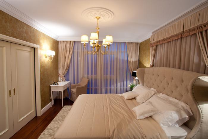 lit-baroque-original-chambre-adulte-style-vintage-chic