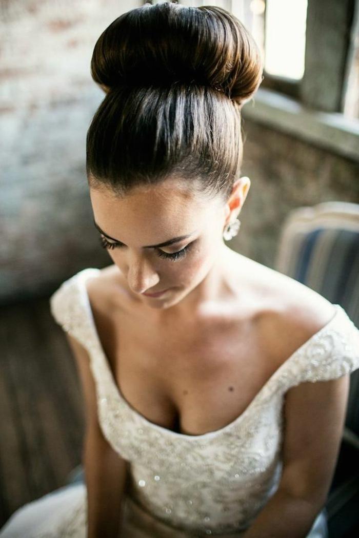 magnifique-chignon-mariage-cheveux-mi-long-coiffure-pour-mariage-cool