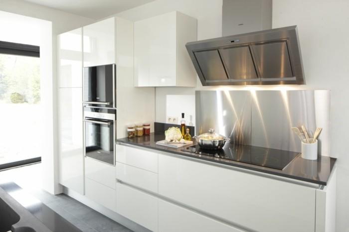 Une cr dence cuisine voyez les meilleurs id es for Quelle couleur de credence pour cuisine blanche