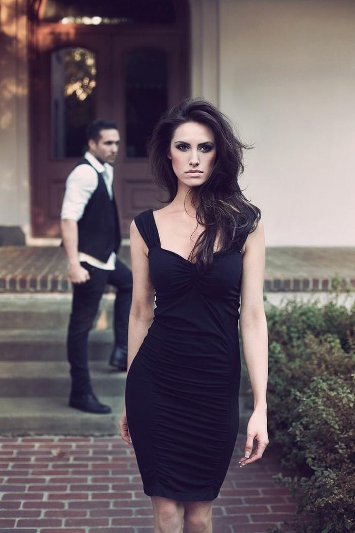 magnifique-robe-noir-et-blanche-chic-robe-chic-noire-chique-belle-femme