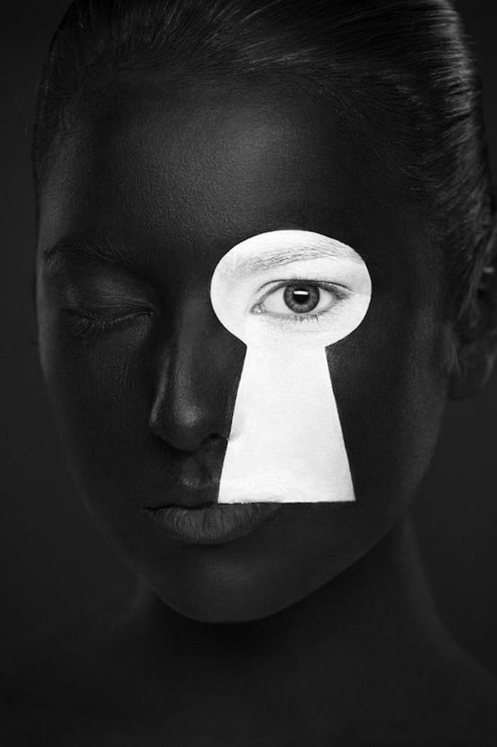 magnifiques-photos-noires-et-blanches-couleurs-clé-ou-est-il