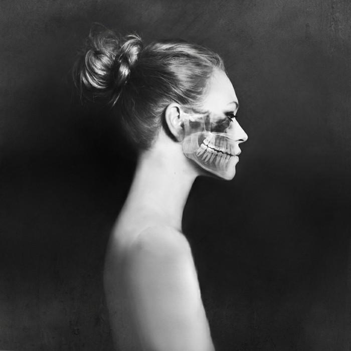 magnifiques-photos-noires-et-blanches-couleurs-squelleton