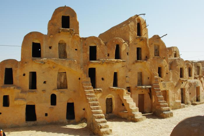maison-troglodyte-Tunisie-maisons-traditionnelles-creusées-dans-la-terre