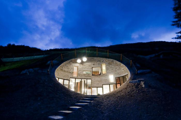maison-troglodyte-habitation-troglodyte-moderne-en-Suisse