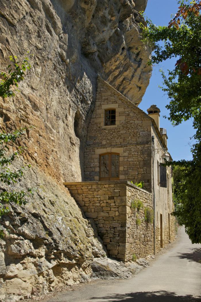La maison troglodyte architecture au coeur de la nature for Maison acheter france