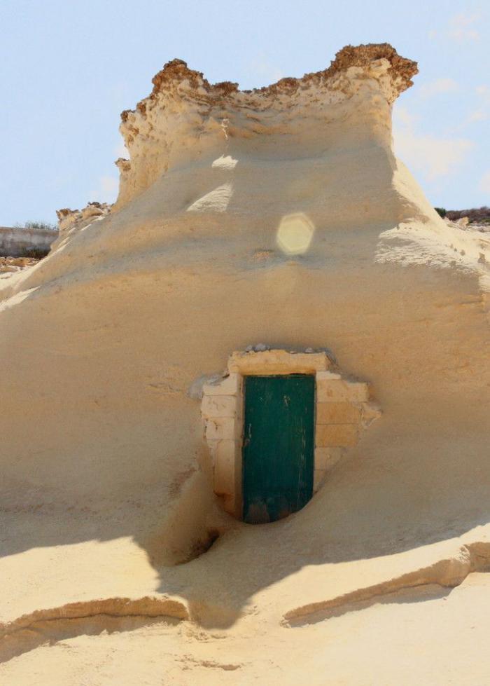 maison-troglodyte-maison-dans-le-rocher-architecture-spectaculaire