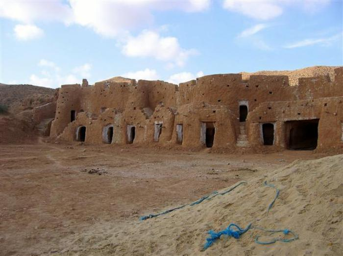 maison-troglodyte-maisons-dans-les-sables-du-désert