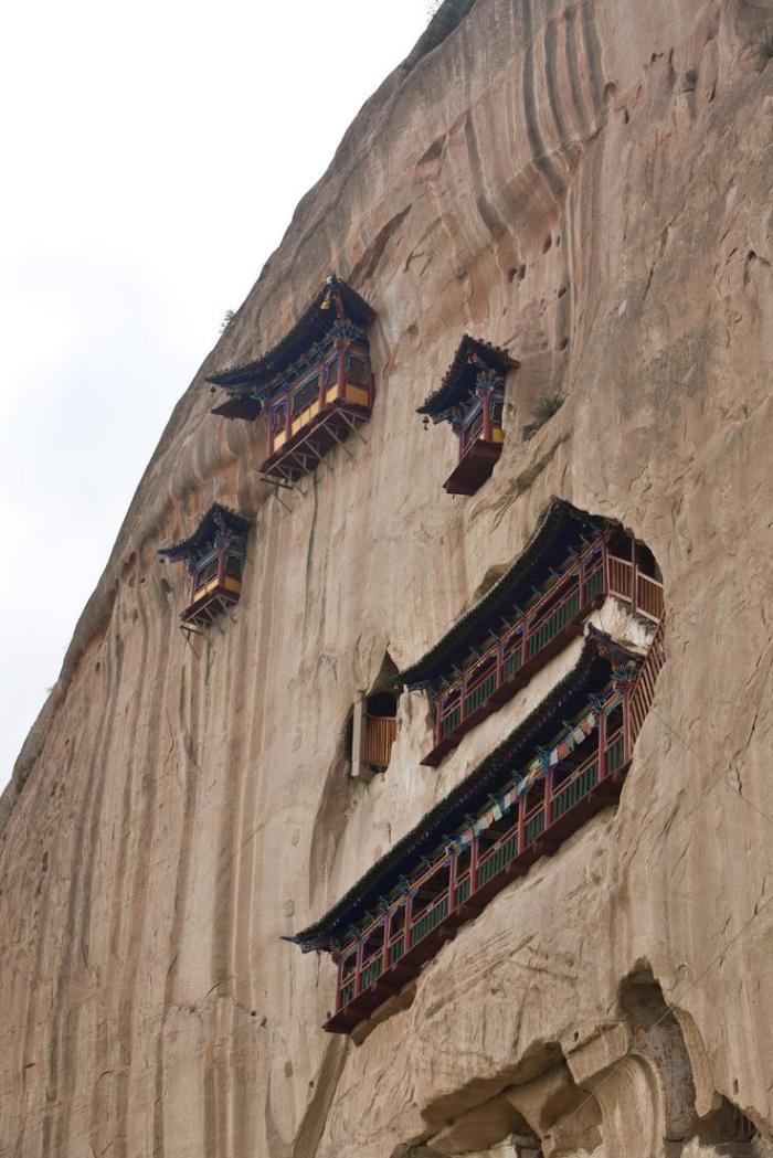 maison-troglodyte-monastères-troglodytes-en-Asie