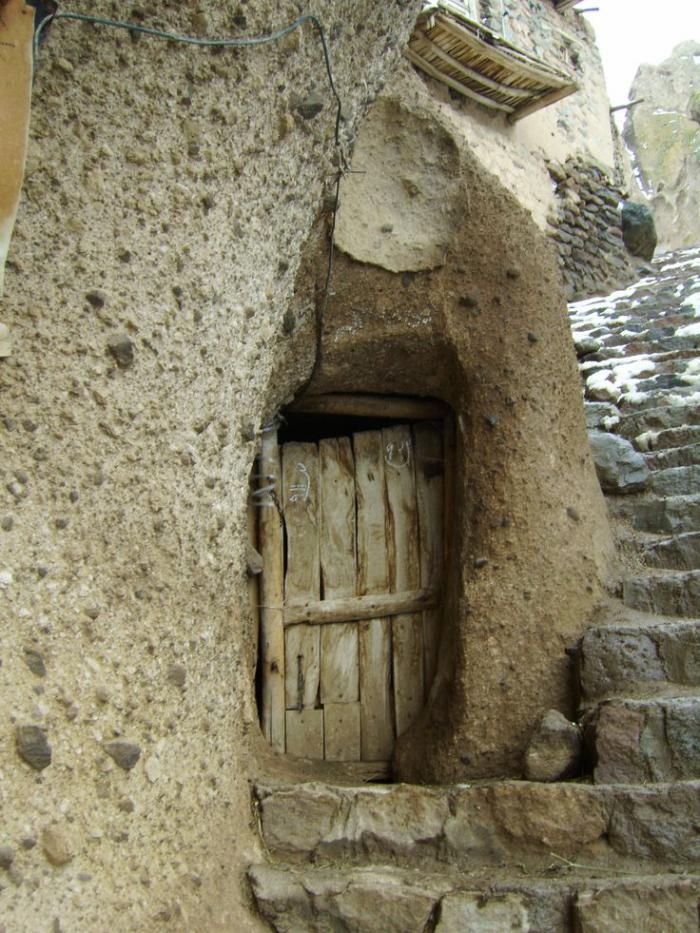 maison-troglodyte-village-troglodyte-préhistorique