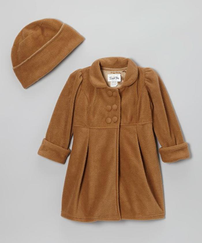 manteau-bébé-fille-avec-petit-chapeau