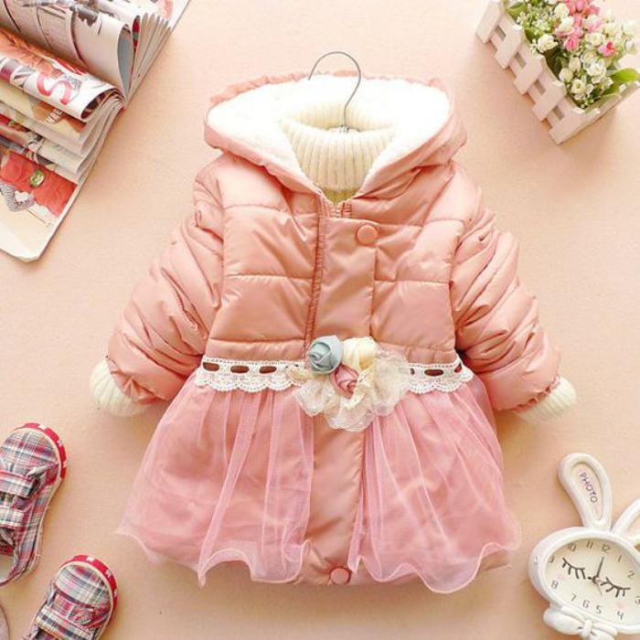 manteau-bébé-fille-avec-voile-modèle-rose
