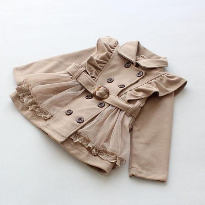 manteau-bébé-fille-beige-avec-voile