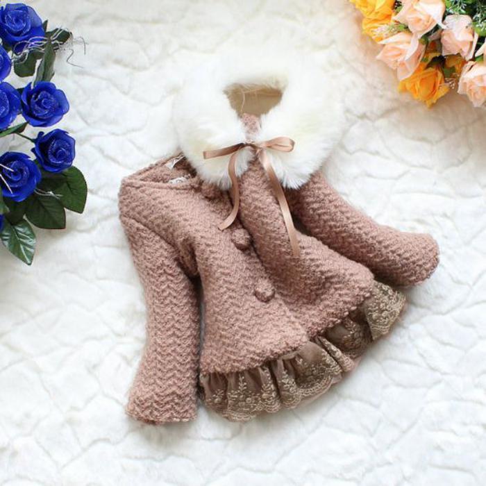 manteau-bébé-fille-modèle-évasé