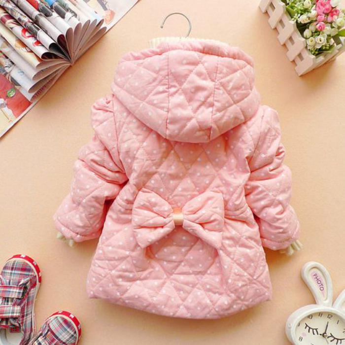 manteau-bébé-fille-rose-avec-papillon