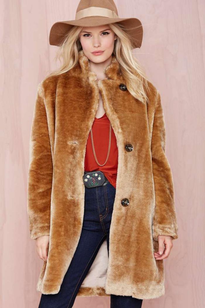 manteau-en-fausse-fourrure-chic-et-élégance