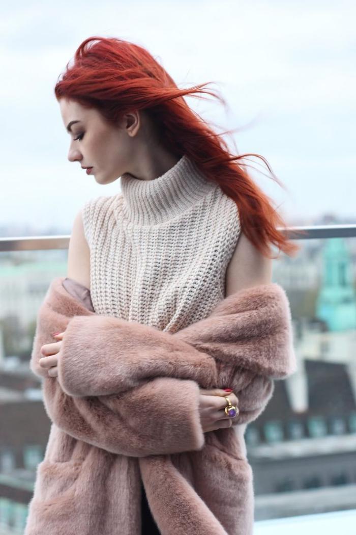 manteau-en-fausse-fourrure-couleur-douce-et-belle