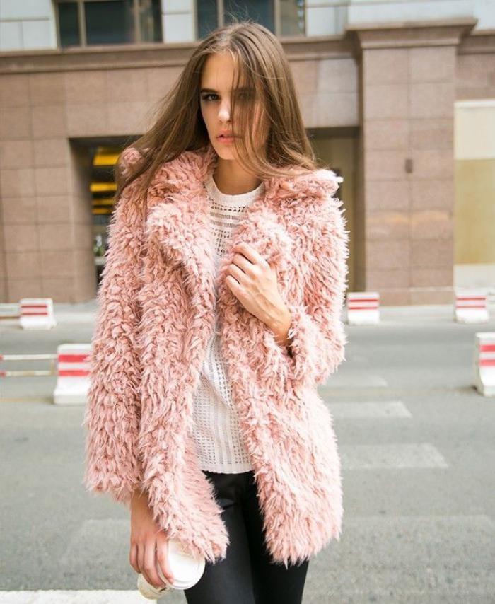 manteau-en-fausse-fourrure-modèle-rose
