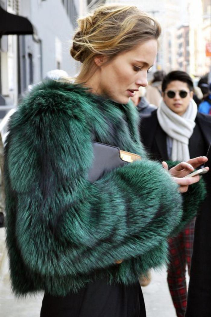 manteau-en-fausse-fourrure-mode-d'hiver-femmes