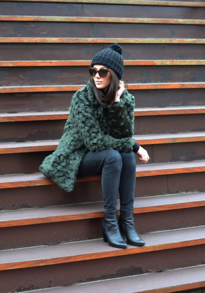 le manteau en fausse fourrure une tendance depuis toujours. Black Bedroom Furniture Sets. Home Design Ideas