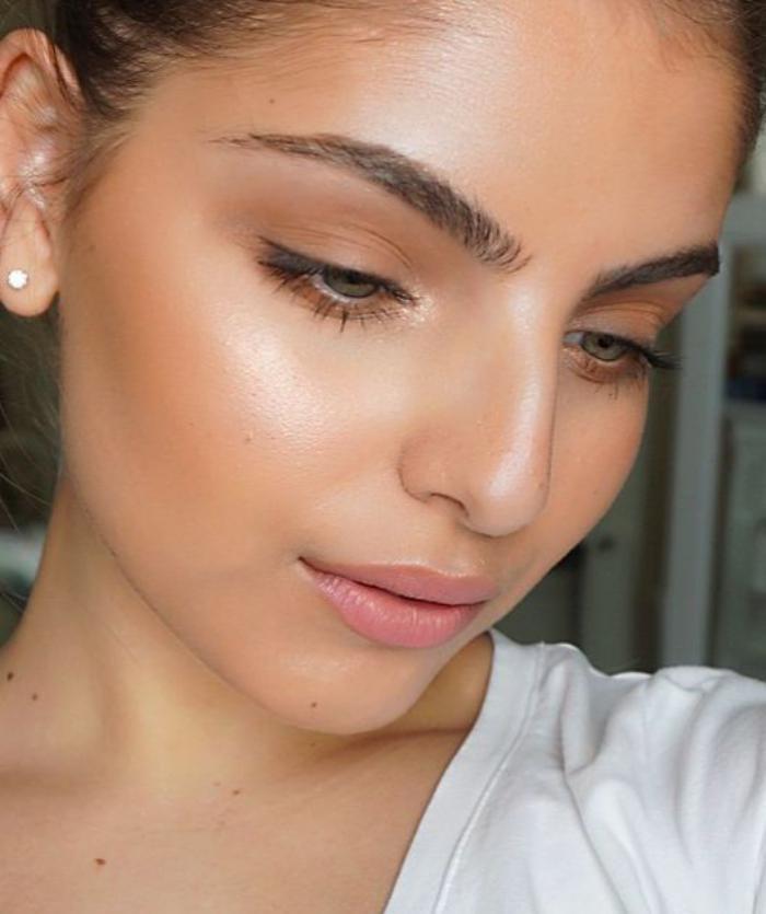 maquillage-simple-maquillage-en-teintes-neutres