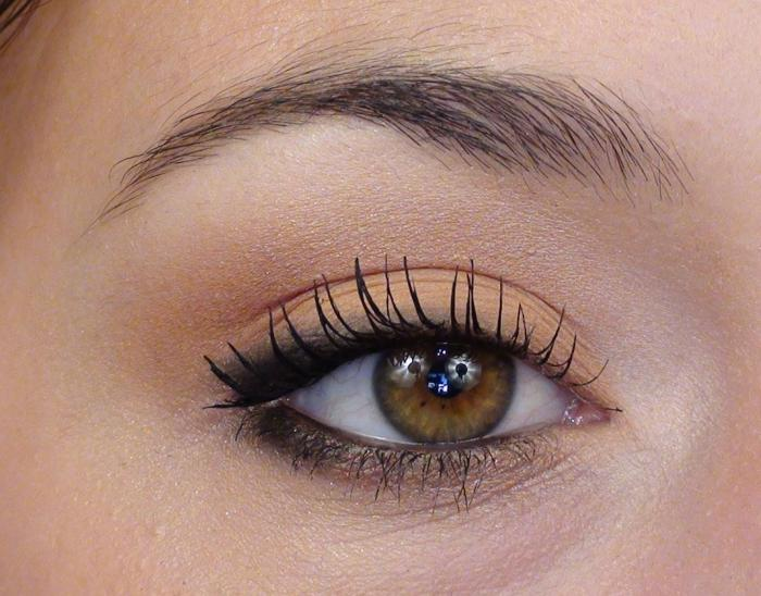 Le maquillage simple en photos - Maquillage yeux verts ...