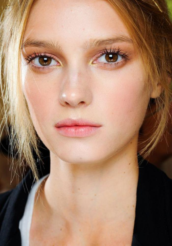 maquillage-simple-se-maquiller-en-style-nude