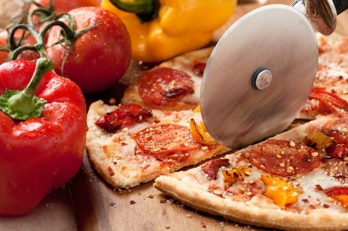 meilleur-pizzeria-paris-agréable-manger-ambiance-amis-prenez-une-piece