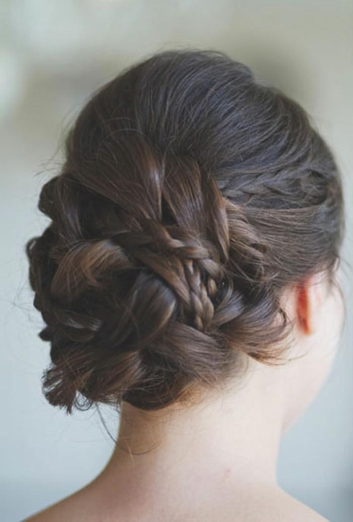 merveilleux-chignon-tressé-mariage-tendance-coiffure-2015-tresse-chignon