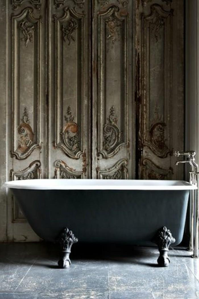 40 photos d 39 int rieur de la baignoire ancienne - Meuble de salle de bain vintage ...