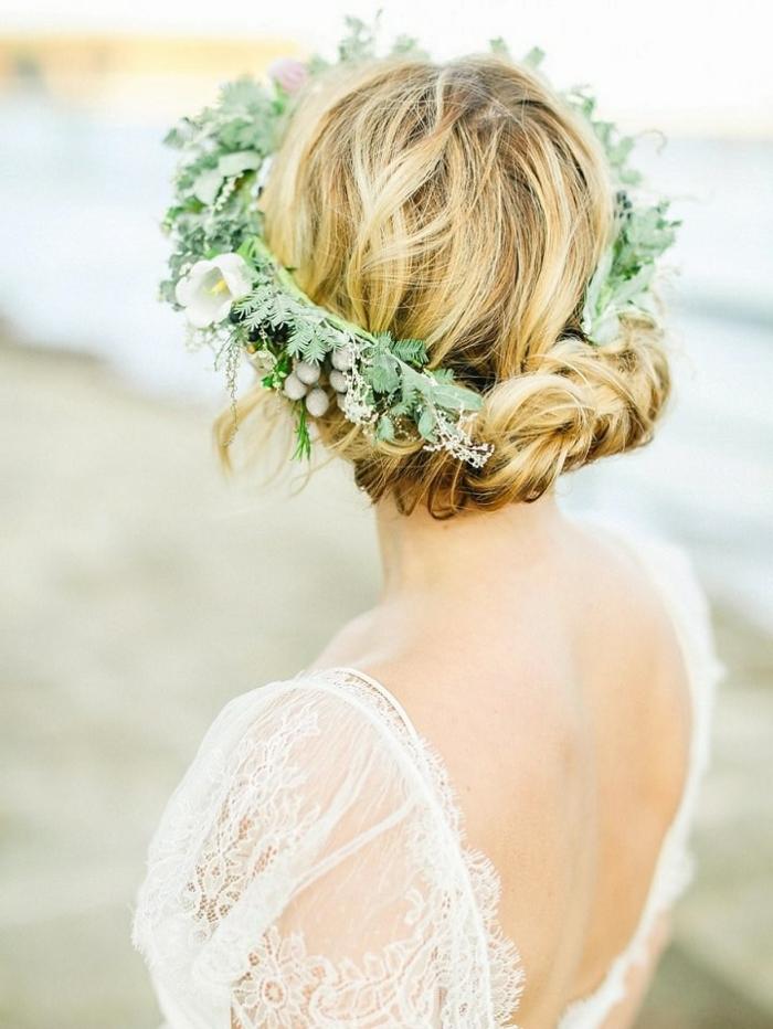 modele-chignon-mariage-chignon-mariée-coiffure-mariee-couronne-fleurs