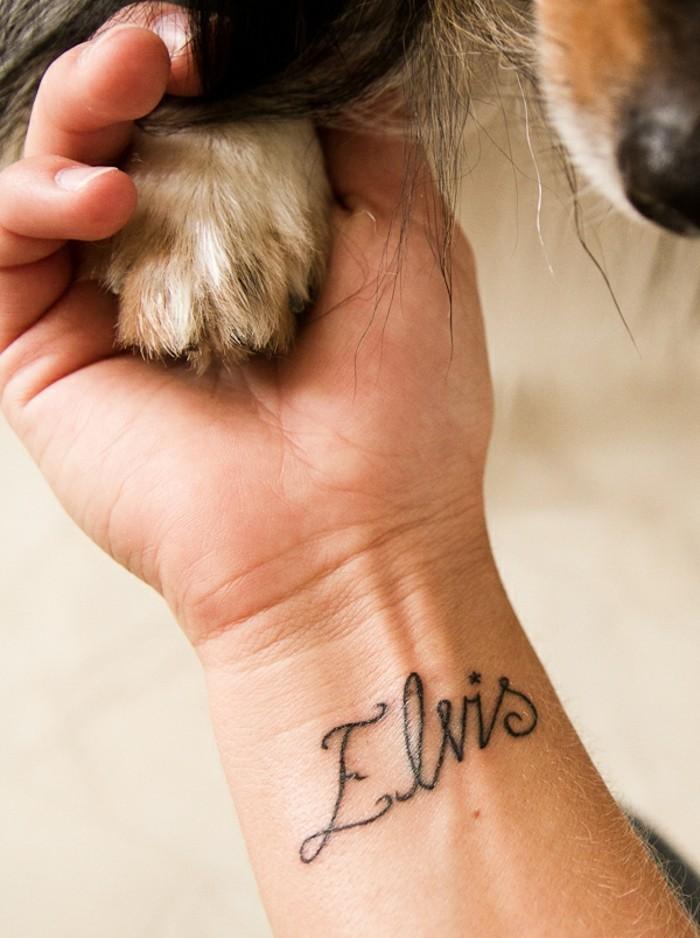 modele-tatouage-poignet-tatouage-poignet-prenom-elvis