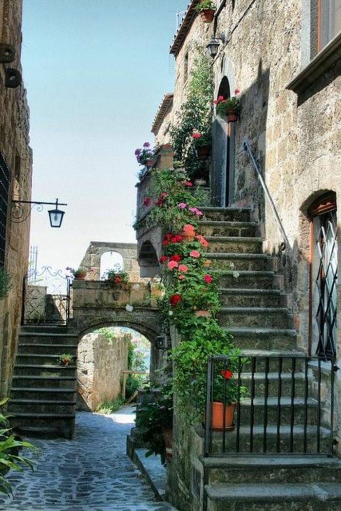 montisi-toscane-séjour-en-toscane-les-rues-italiennes-les-vue-italiennes-visiter-italie