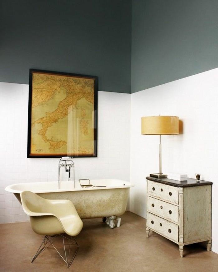 mur-blanc-gris-lustre-beige-sol-marron-meuble-en-bois-robinetterie-ancienne-deco