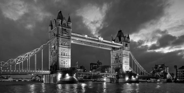 noir-et-blanc-photographie-artistique-image-noire-et-blanc-londre-tower-bridge