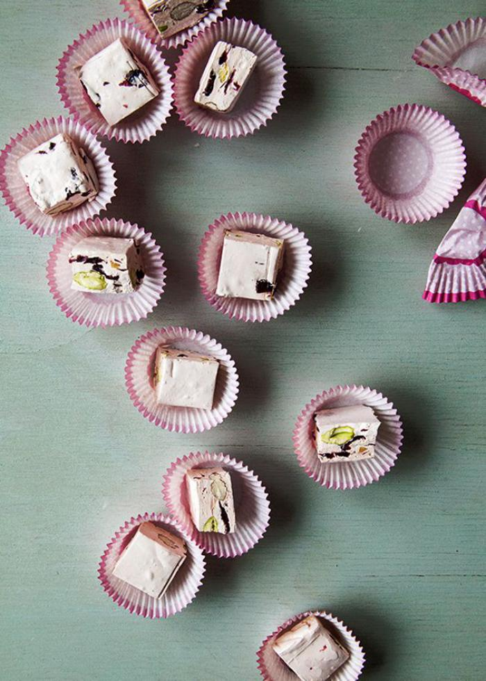 nougat-tendre-bonbons-de-nougat-blanc