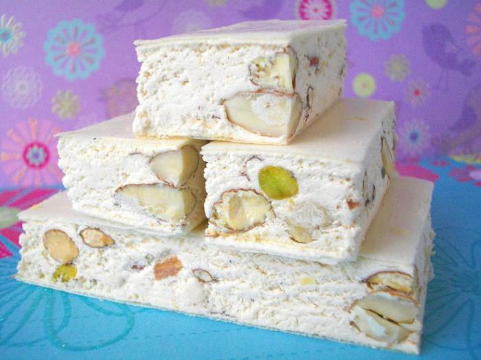 nougat-tendre-dessert-délicieux-et-joli