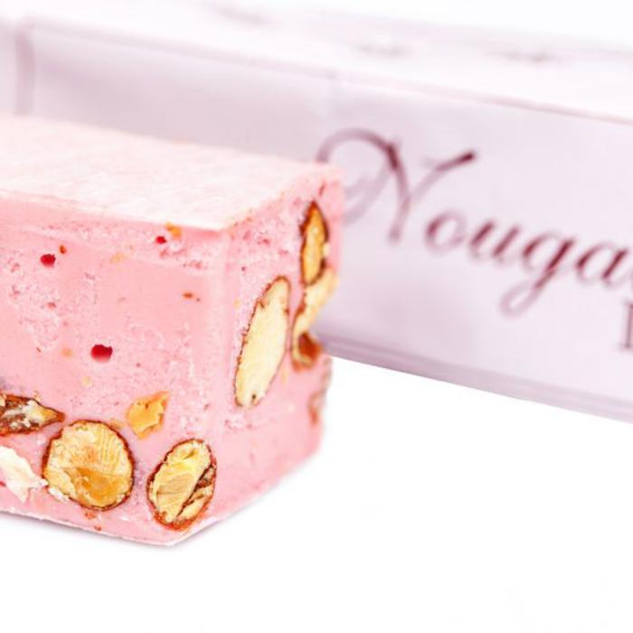nougat-tendre-gourmandise-traditionnelle-rose