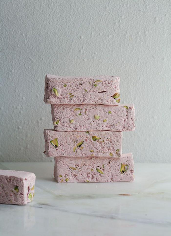 nougat-tendre-nougat-moelleux-rose