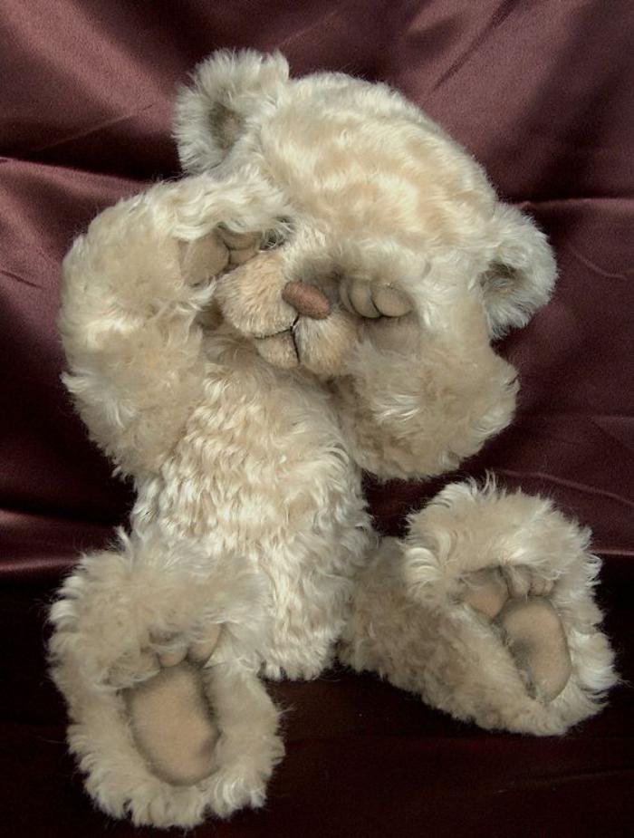ourson-en-peluche-blanc-jolie-peluche-ours