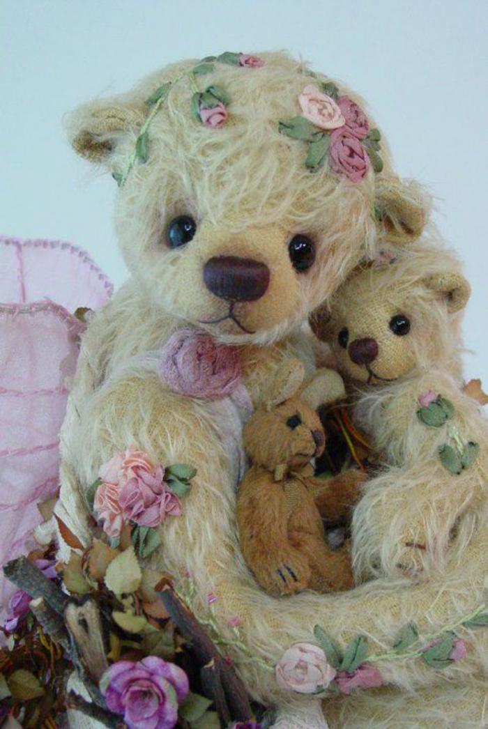 ourson-en-peluche-maman-avec-son-bébé-ourson-en-peluche