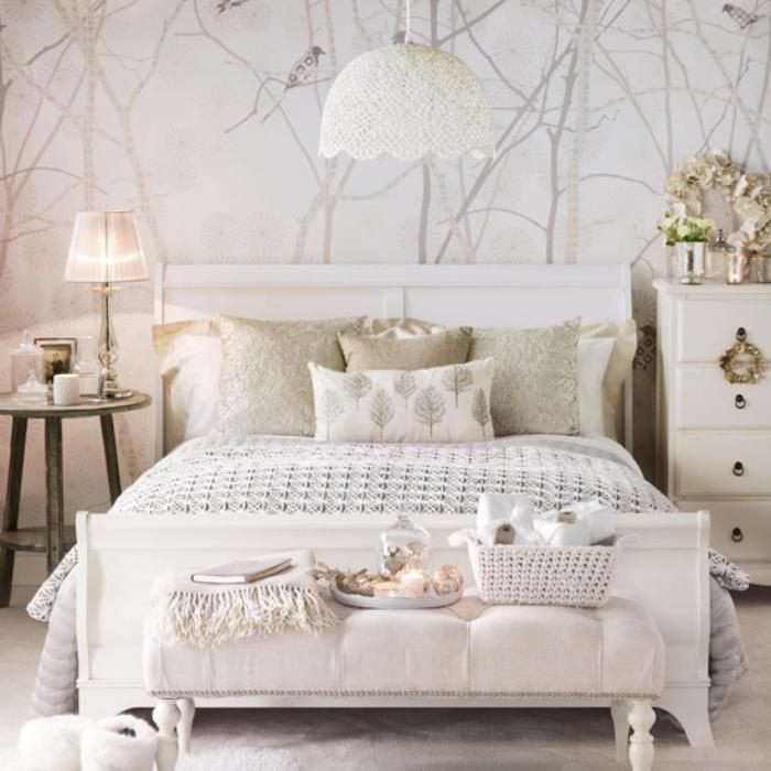 papier-peint-blanc-chambre-à-coucher-délicate-en-couleur-blanche