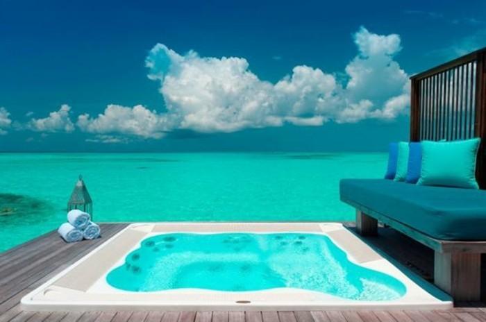 partir-aux-maldives-maldive-voyage-sejour-maldive-image-hotel-avec-piscine